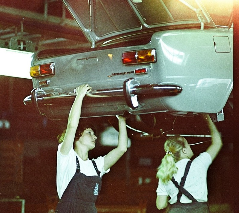 ВАЗ-2101 на конвейере (1)