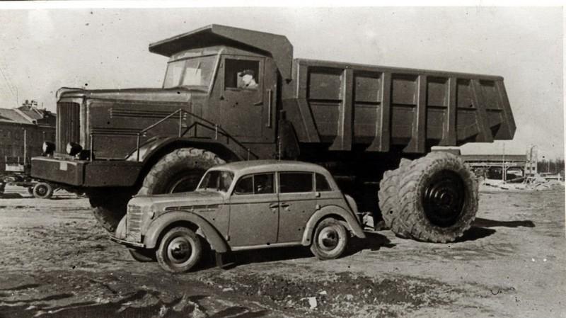 1951 МАЗ-525 и Москвич 400-420