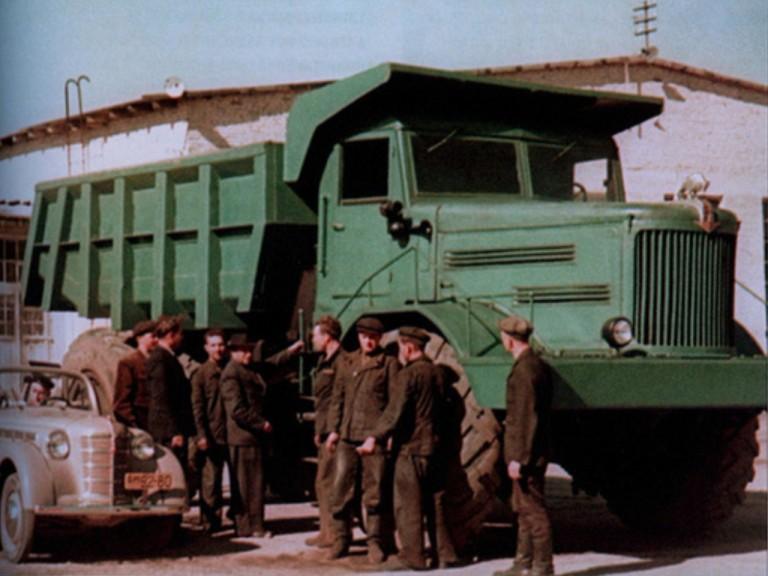 1950-е МАЗ-525 и Москвич 400-420А