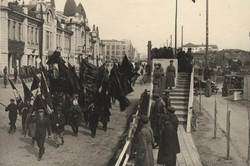 1 МАЯ в Новосибирске 1920-х (по материалам - https://multiurok.ru/index.php/blog/1-maia-v-novosibirske-1920-1940.html)