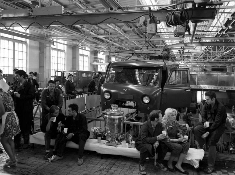 1970 Ульяновский автомобильный завод имени В.И. Ленина. (Фото 1 мая 1970 г.)