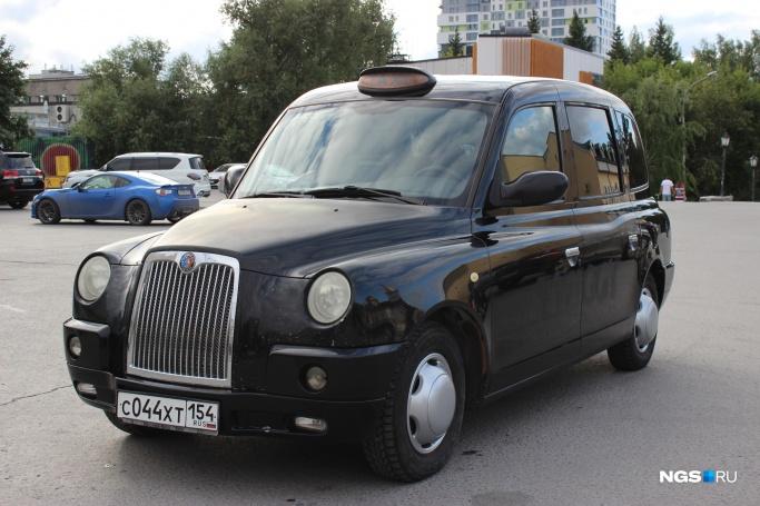 2011 TX4 на новосибирских номерах С044ХТ154 (Фото: Дмитрий Косенко)