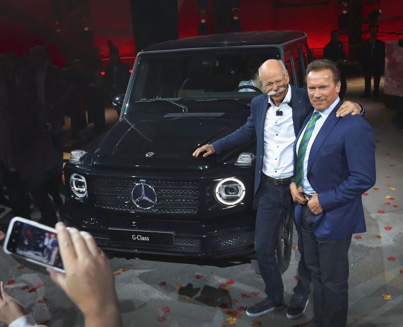 "2018 Арнольд Шварценеггер и Mercedes G-Сlass (по материалам - ""Auto Motor und Sport"" (Jahres-Ruckblick-2018)"
