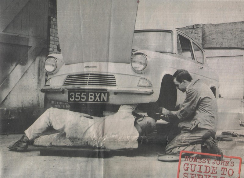 1960's Ford Anglia (355 BXN - Pit-Stop)