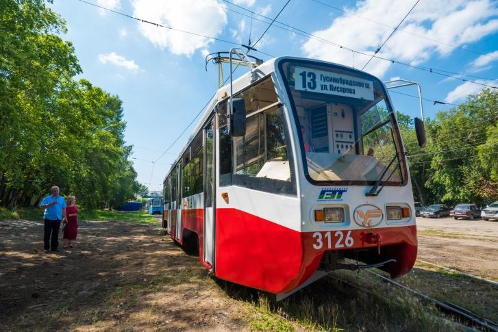 2019 Трамвай № 13 71-619К в Новосибирском раскрасе (г. Новосибирск)