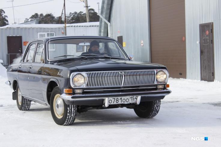 "1976 ГАЗ-24 ""Волга"" о781оо154 (Фото: Дмитрий Косенко)"