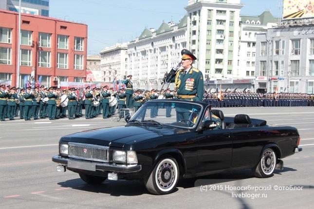В 2014 году на военном параде в честь 69-й годовщины Победы в Великой Отечественной войне впервые по главной площади Новосибирска прошли кабриолеты на базе ГАЗ-3102. Стандартные «Волги», полученные с автомобильной базы хранения в Свердловской области, модернизировали на СТО Новосибирского гарнизона – автомобили полностью разобрали, срезали крыши, усилили кузов, покрасили в черный цвет. Салон обтянули кожей и оснастили современными средствами связи (по материалам издания «За Рулем Новосибирск» и http://autotonirouka.ru/paradnye-kabriolety/).
