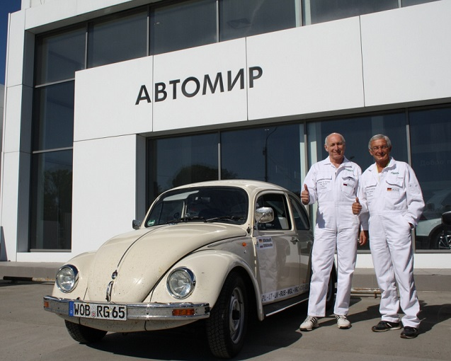 Гюнтер Кирхгоф и Volkswagen Beetle'2003 АВТОМИР Новосибирск