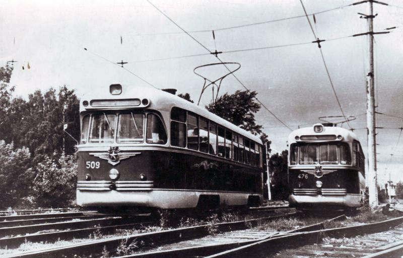 Новосибирские трамваи РВЗ-6 (...сейчас обгоню...)