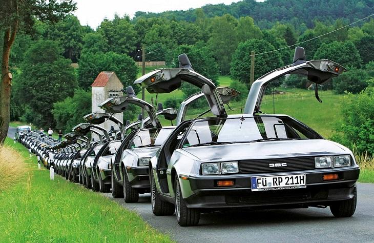 "DeLorean DMC-12 (фото из журнала ""Auto Bild"" № 33 2015)"