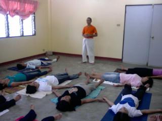 introductory yoga session at casa esperanza dumaguete