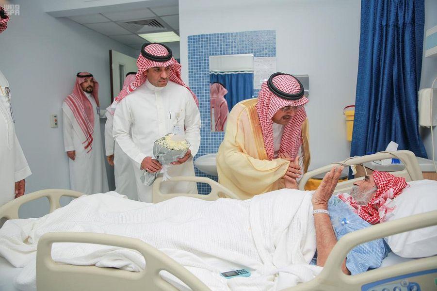 Губернатор округа Хафра Батин посетил пациентов в Центральной больнице