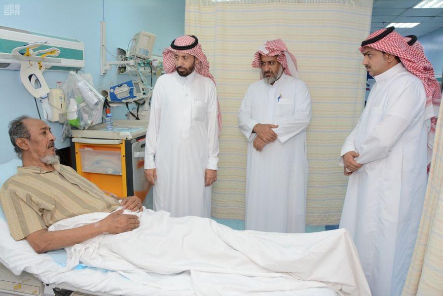 ИО губернатора округа Мухайял провинции Асир посетил муниципальную больницу