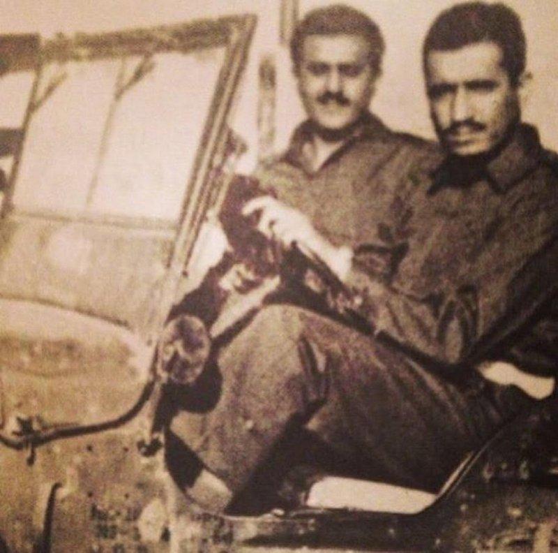 Король Саудовской Аравии Салман в 1956г. за рулём военного джипа