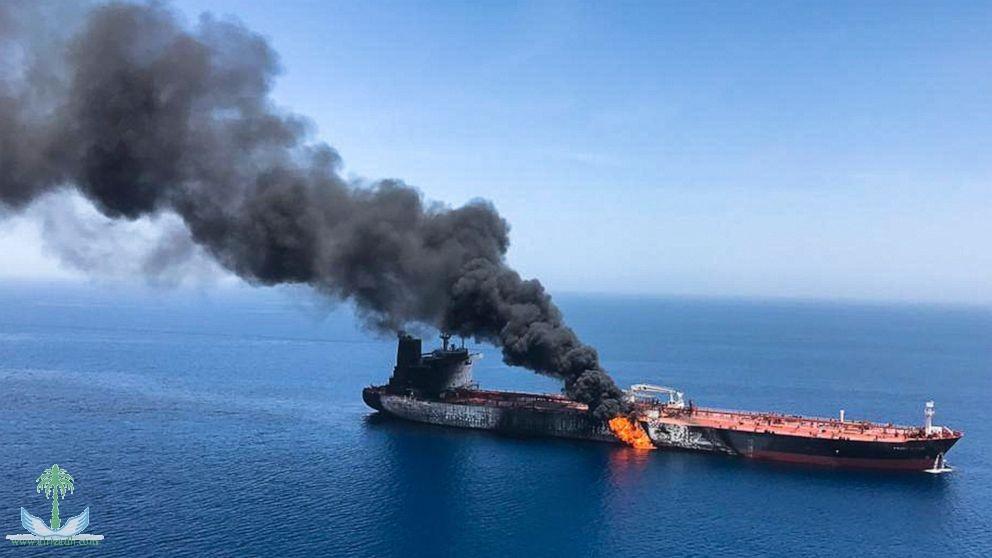 Британия обвиняет Иран в нападении на нефтяные танкеры в Оманском заливе