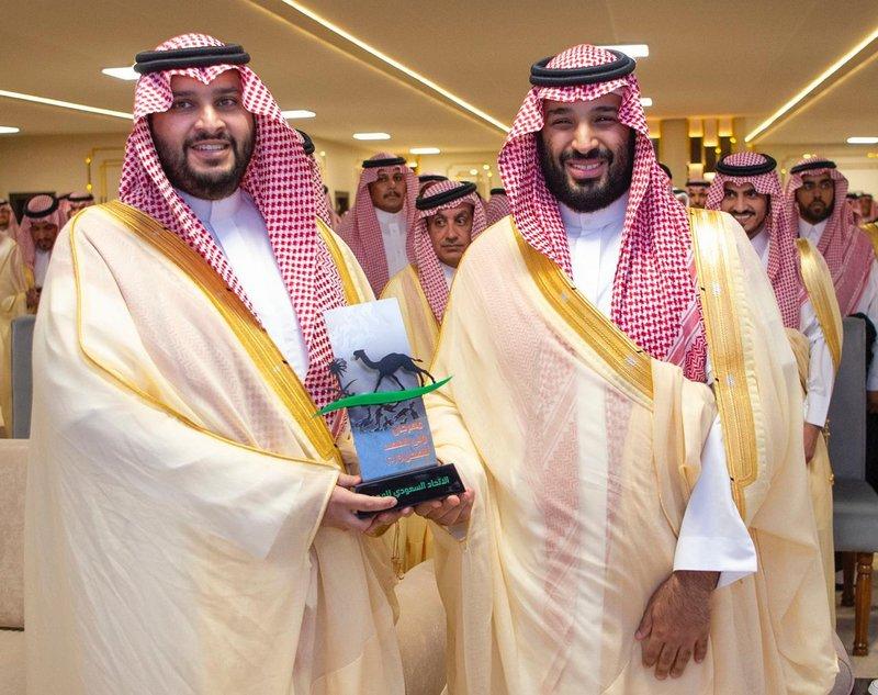 Мухаммад бин Салман посетил заключительную церемонию фестиваля верблюдов им.Наследного принца