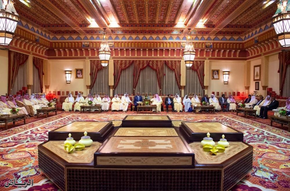 Служитель Двух Святынь принял председателя Суверенного совета и премьер-министра Судана