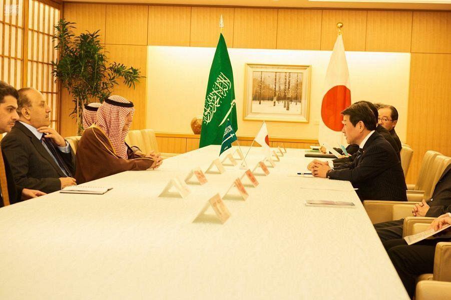 Министр иностранных дел Японии принял государственного министра по иностранным делам