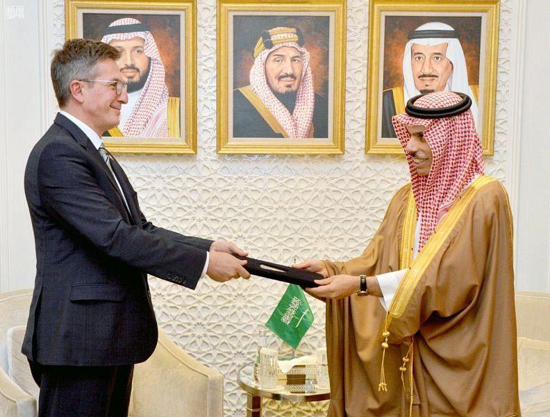 Министр иностранных дел Саудовской Аравии принял назначенных в КСА послов Косово, Венгрии и Черногории