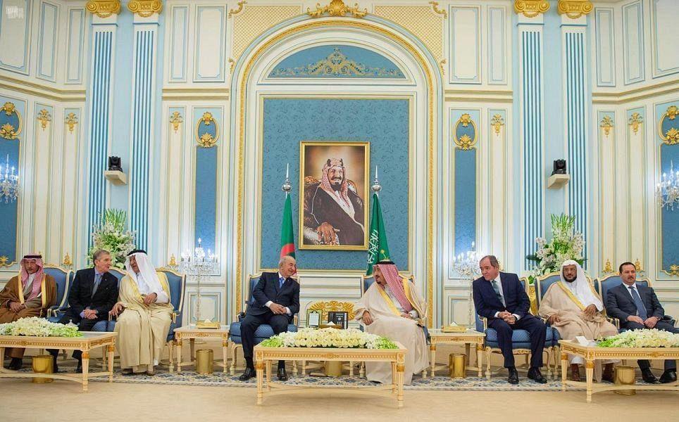 Служитель Двух Святынь принял президента Алжира