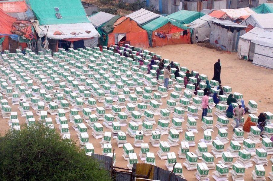 ЦСГД им. короля Салмана раздал в Сомали 1200 продовольственных корзин по случаю Священного месяца Рамадан