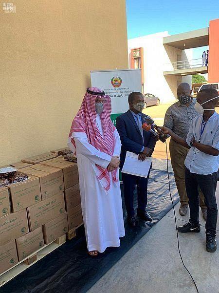 ЦСГД им. короля Салмана передал 50 тонн фиников в качестве подарка Республике Мозамбик