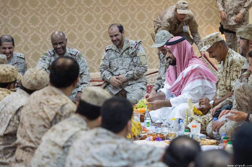 принц Мухаммад бин Салман провёл праздник с героями, охраняющими границу