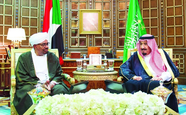 Король Салман дал торжественный ужин в честь президента Судана аль-Башира