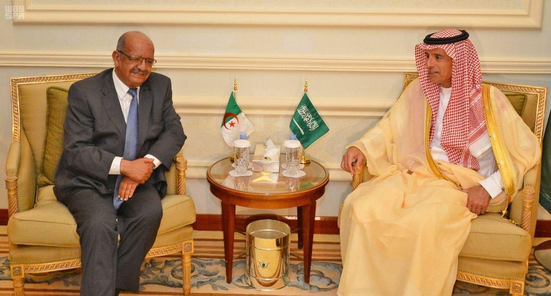 Министр иностранных дел принял Министра иностранных дел республики Алжир