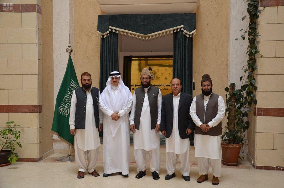 Посол Служителя Двух Святынь в Пакистане встретился министром делам религии Пакистана