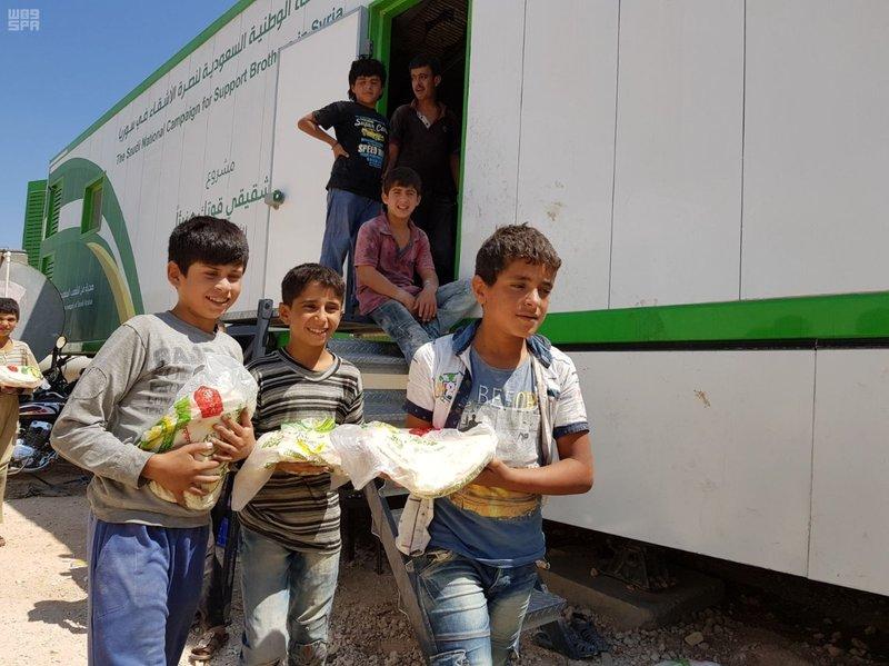 Саудийская национальная компания продолжает доставку хлеба нашим сирийским братьям