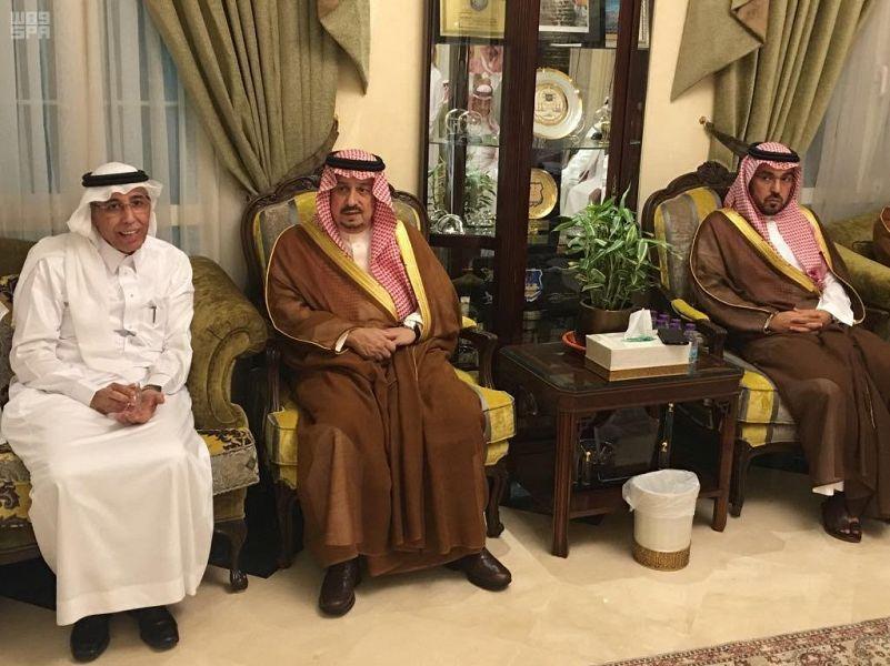 Губернатор провинции Эр-Рияд передал соболезнования семье павшего мученником подполковника ВВС Муханна аль-Биза