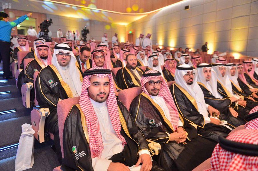 Министр здравоохранения посетил церемонию вручения дипломов 151 врачу, завершившему обучение в аспирантуре и ординатуре