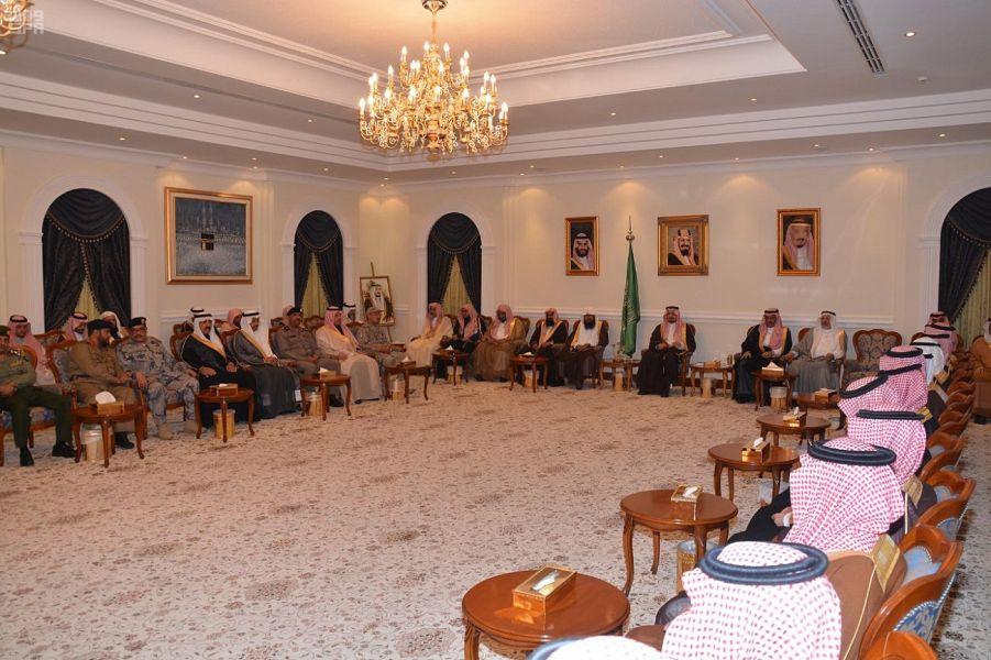 Губернатор провинции Асир принял Их честь учёных, судей и глав правительственных департаментов провинции