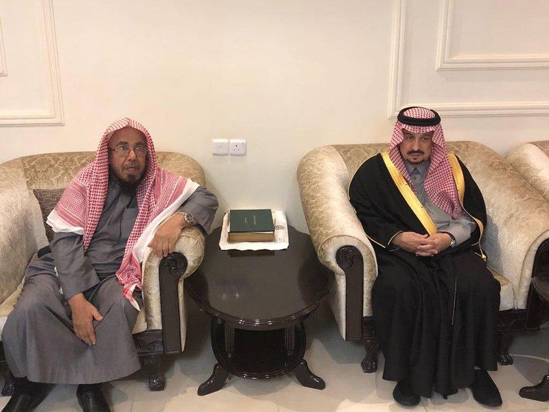 Губернатор Эр-Рияда принёс соболезнования шейху аль-Мутлаку в связи с кончиной его брата