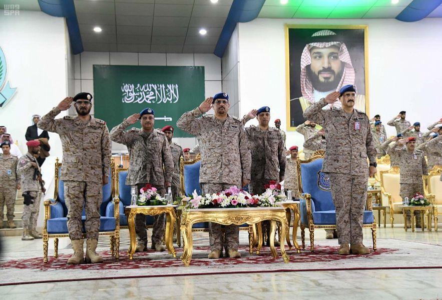 Церемония выпуска 127 курсантов технического института ВВС в Захране