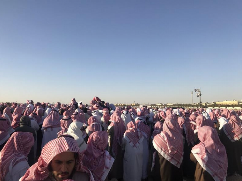 Группа скорбящих в Эр-Рияде совершила похоронную молитву по проповеднику ат-Тувейджри