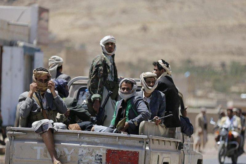 Руководство хусиитов вывозит свои семьи из Йемена и организует побег известных в их среде персон