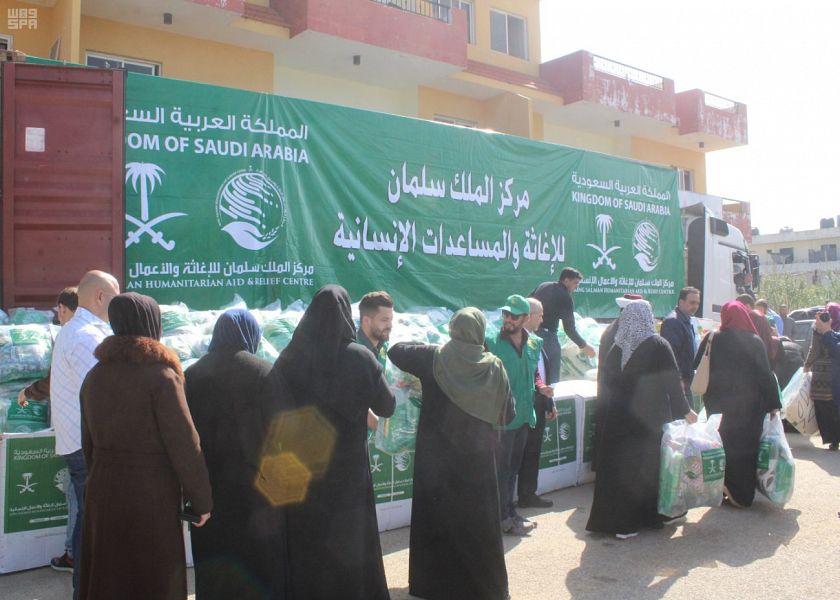 Центр гуманитарной помощи им.Короля Салмана продолжает распространять гуманитарную помощи и тёплые вещи семьям сирийских беженцев в Ливане