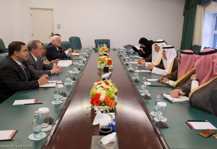 Министр аль-Джубейр принял делегацию членов Конгресса США