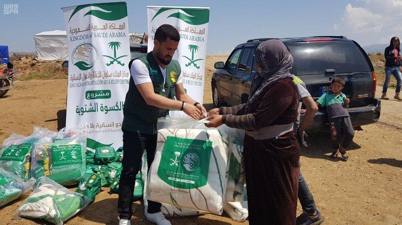 Центр гуманитарной помощи им.Короля Салмана рапрределяет помощь среди сирийцев на юге Ливана