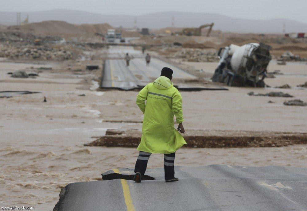 Разрушения, произведённоые ураганом «Мекуну» в г.Салала (Оман)