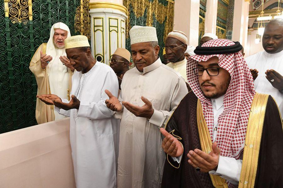 Президент республики Гвинея посетил Мечеть Пророка
