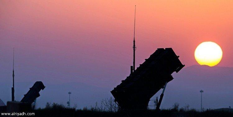 Силы ПВО перехватили баллистическую ракету хусиитов, выпущенную по направлению к Хамис Мушит