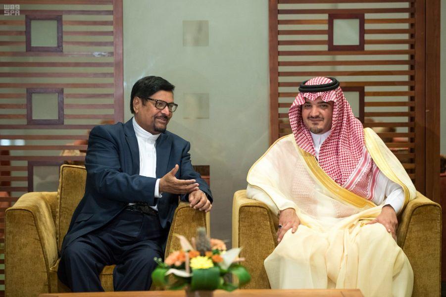 Его Высочество Министр внутренних дел прибыл в республику Маврикий