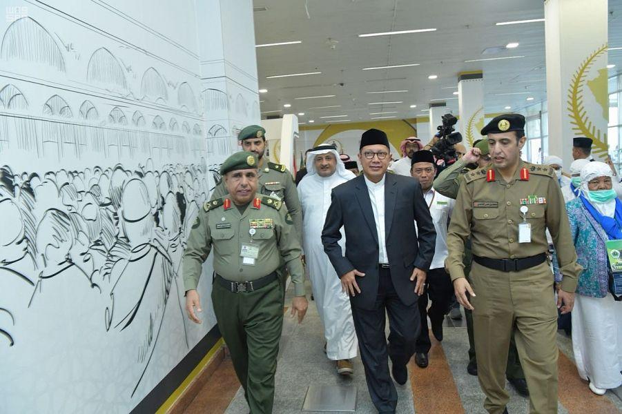 Генерал-майор Яхъя инспектировал работу залов для паломников в Международном аэропорту им.Короля Абдулазиза и принял министра по делам религии Индонезии