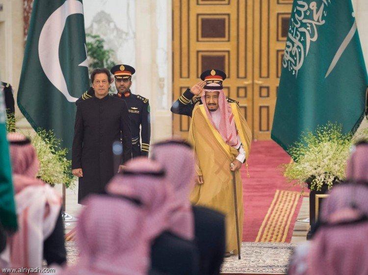 Служитель Двух Святынь принял премьер-министра республики Пакистан и дал торжественный обед в его честь