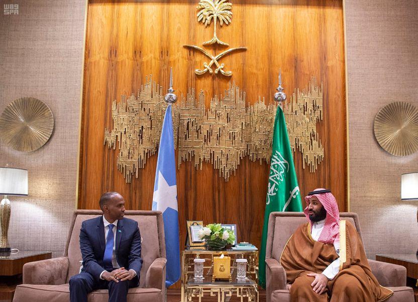 Его Высочество наследный принц рассмотрел с премьер-министром Сомали двусторонние отношения стран, пути их развития, а также развитие ситуации в регионе
