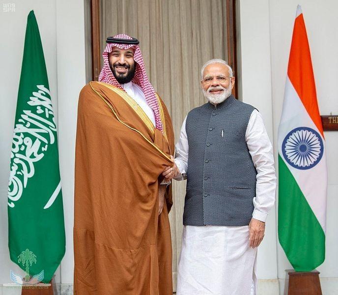 Премьер-министр Индии и наследный принц провели встречу и присутствовали при подписании 5 договоров и меморандумов о взаимопонимании