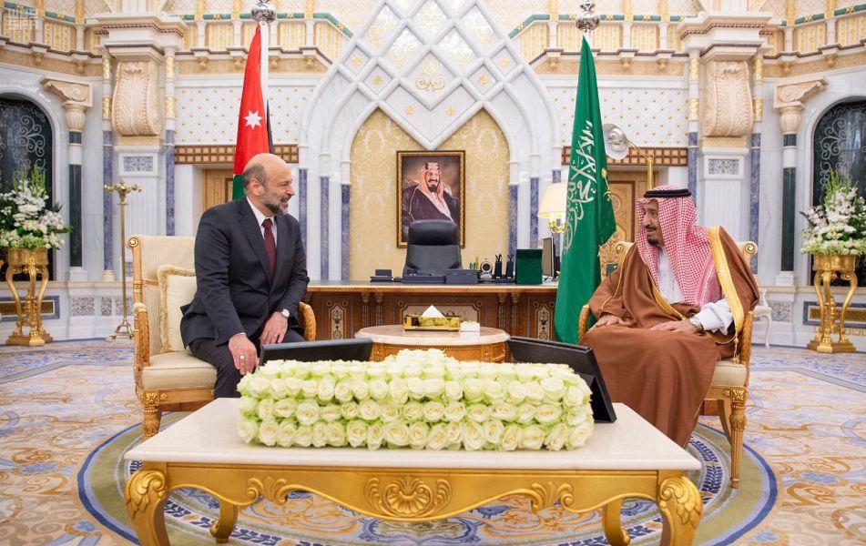 Служитель Двух Святынь принял премьер-министра и министра обороны Хошимитского Королевства Иордания